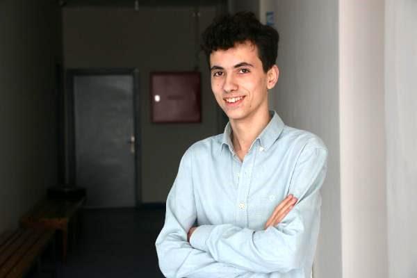17 yaşında bilişim hizmetleri şirketini kurdu