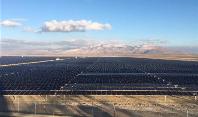 Türkiye'ye 1,3 GW'lık güneş enerjisi projeleriyle güç verecek