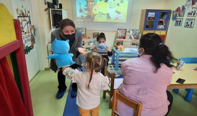 """Uğur Koleji anaokulu """"Artistic Hands"""" workshop ile el becerileri zekaya dönüşüyor"""
