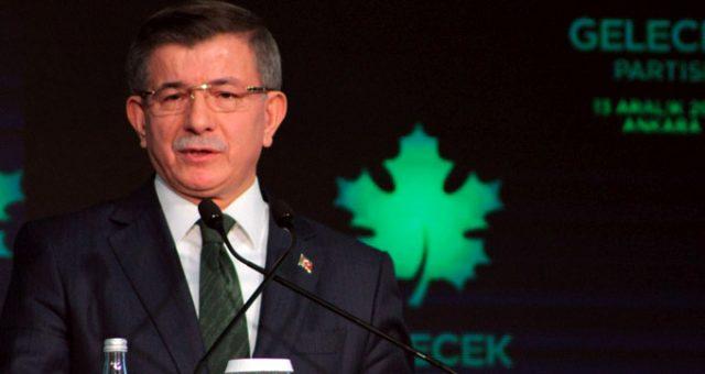 Ahmet Davutoğlu, şahsına karşı işlenen suçlara ilişkin davalarından feragat etti
