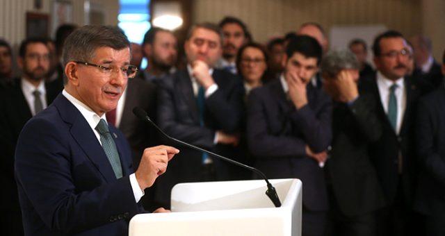 Ahmet Davutoğlu TikTok'a üye oldu: Gençlik nerede, biz oradayız