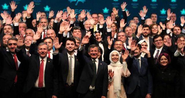 Ahmet Davutoğlu'nun partisine katılmak için AK Parti'den istifa etti