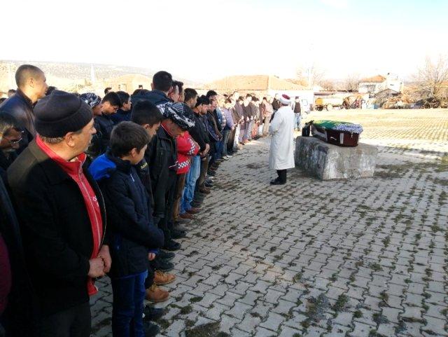 Alevlerin arasında kalan 11 yaşındaki Merve'ye hüzünlü veda