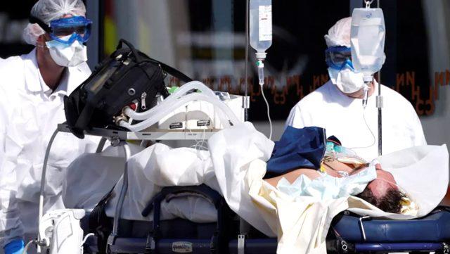 Almanya'da doktorlara vicdanları yaralayan talimat: Durumu kötü olanlara dokunmayın