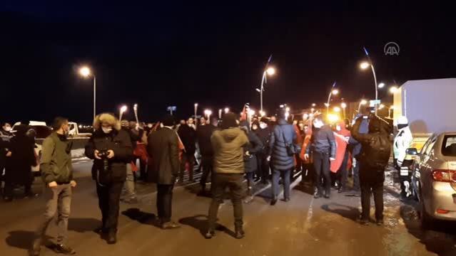 Ardahan'ın düşman işgalinden kurtuluşunun 100. yıl dönümünde meşaleli yürüyüş yapıldı
