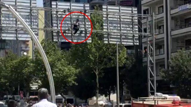 Babasının İzmir'e gittiğini öğrenen genç, intihara kalkıştı
