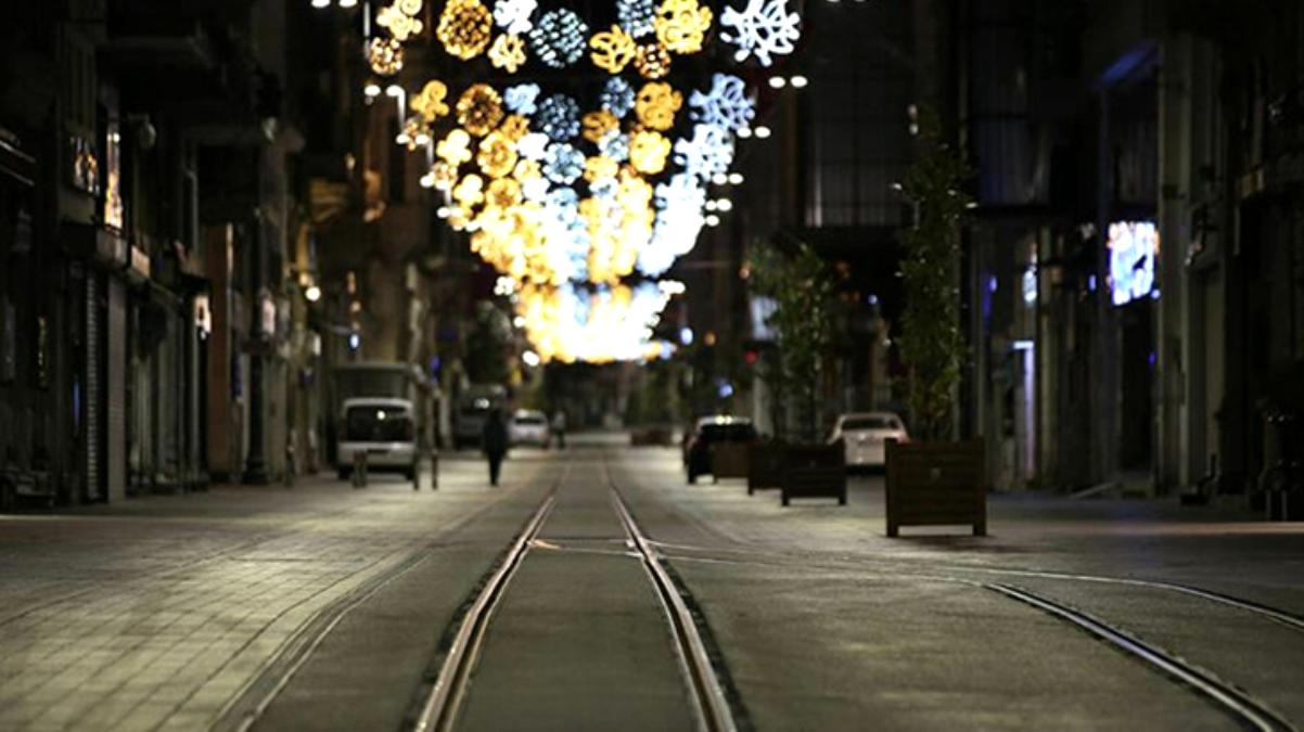 Bilim Kurulu Üyesi Özlü, yeni korona tedbirlerinin işaretini verdi: Yılbaşında 4 günlük sokak kısıtlaması yapılabilir