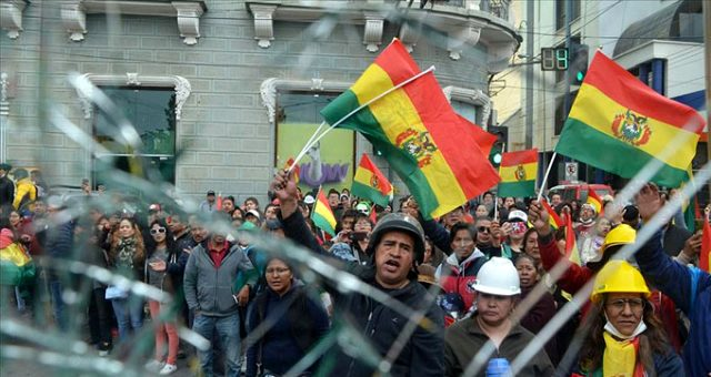 Bolivya'da darbe: Genelkurmay Başkanının istifasını istediği Devlet Başkanı Morales görevi bıraktı