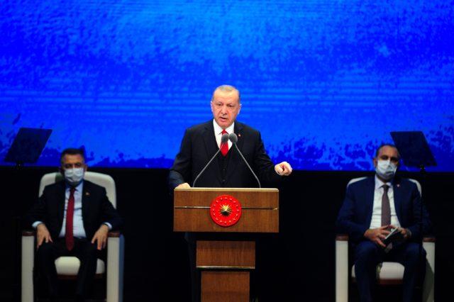 """Cumhurbaşkanı Erdoğan: """"Salgın döneminde vatandaşlarımıza 25,5 milyar lira nakit ödeme yaptık"""""""