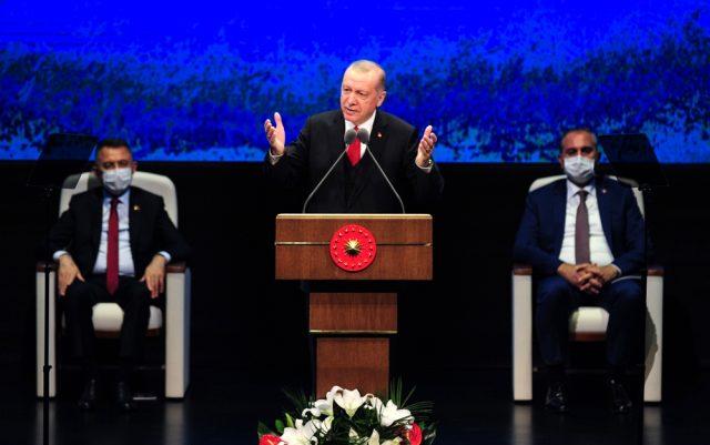 """Cumhurbaşkanı Erdoğan: """"Türkiye, bugün 60 milyar dolar bütçeli 700 projeye ulaşmıştır"""""""