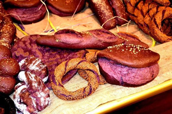 Dünyada ilk kez Malatya'da üretilen 'mor ekmek' büyük ilgi görüyor