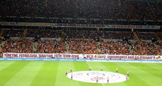 Galatasaray tribünlerinden Türkiye Futbol Federasyonu'na büyük tepki!