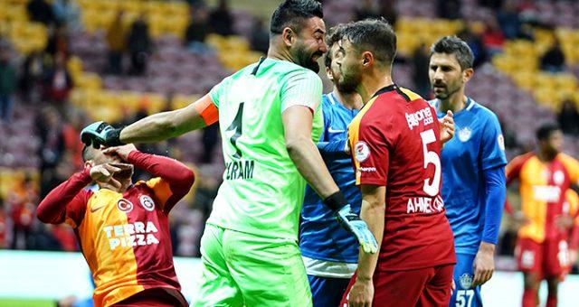 Galatasaray-Tuzlaspor maçında gerginlik!