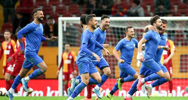 Galatasaray, Tuzlaspor'a 2-0 yenildi