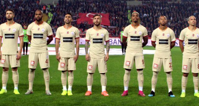 Galatasaray'dan 10 Kasım'a özel forma: YarınımızSensin