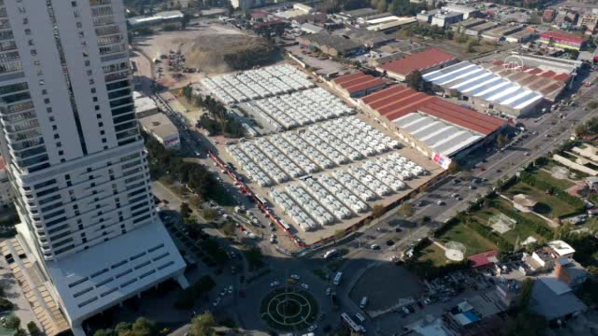 Geçici konaklama merkezi depremzedeleri ağırlamaya başladı