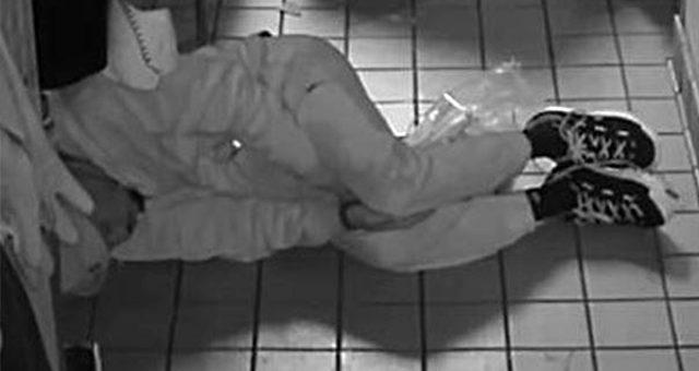 Girdiği restoranda yemek pişirdi, uyudu ve restoranı soyup kaçtı