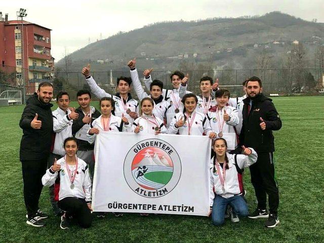 Gürgentepeli öğrenciler atletizmdeki başarılarıyla fırtına estiriyor