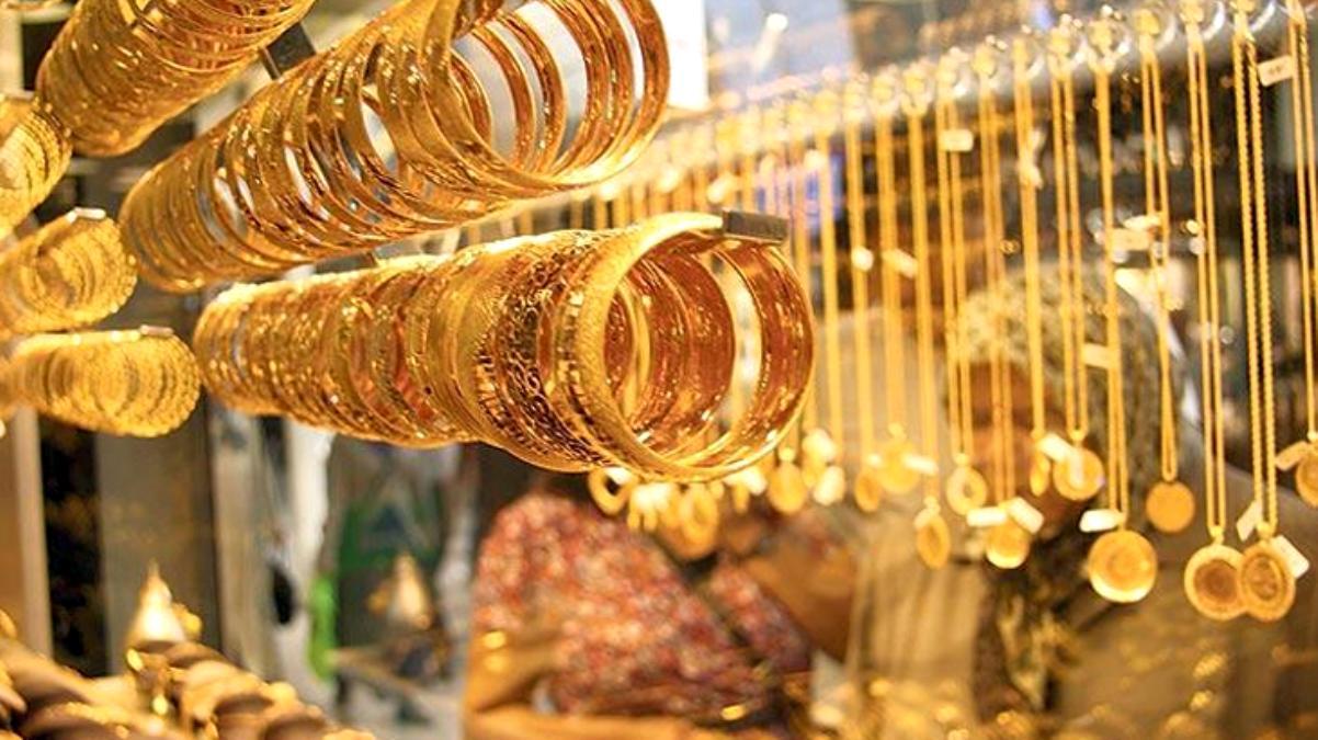 Haftaya düşüşle başlayan altının gram fiyatı 445 liradan işlem görüyor