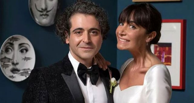 Hazer Amani'den düğün paylaşımı! Eşini öpücüklere boğdu