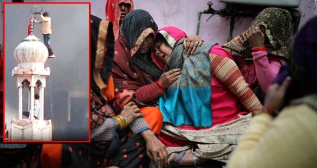 Hindistan'da Müslümanları hedef alan ırkçılar, minarenin üzerindeki hilali söküp bayrak astı