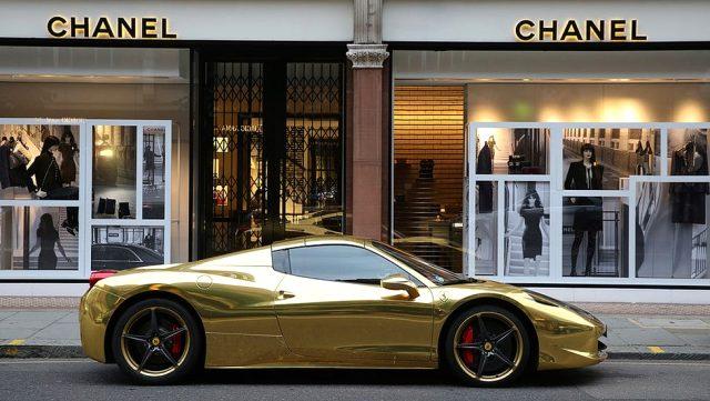 İngiltere'de en zengin 6 kişinin serveti, en yoksul 13,2 milyonunkine eşit