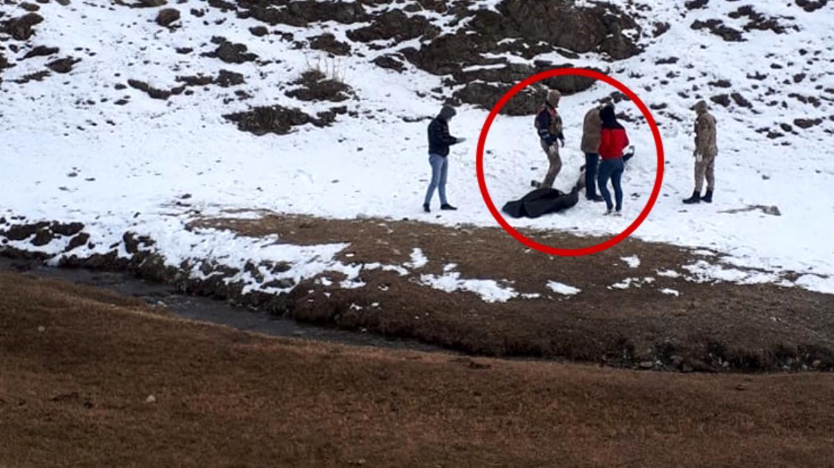 İran sınırında 3 kaçak göçmen donarak can verdi