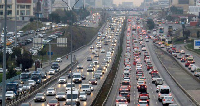 İstanbul'da tatil trafiği başladı! Yoğunluk yüzde 70'e ulaştı