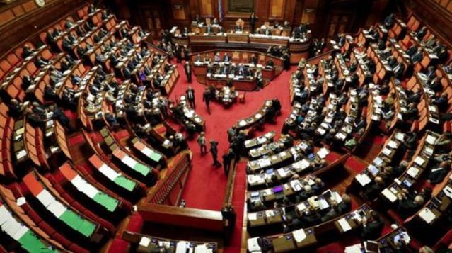 İtalya'da koalisyon ortaklarından İtalia Viva partisi hükümetten çekildi