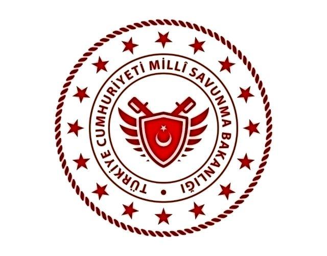 """""""İzmir Ege Deniz Bölge Komutanlığından çıkan kuru ot yangını kontrol altına alındı"""""""