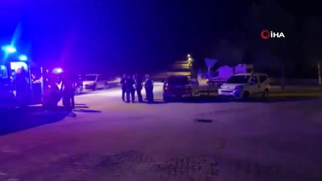 İzmir'de iki grup arasında silahlı kavga: 3 yaralı