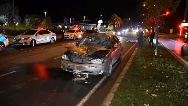 İzmir'de otomobilin çarptığı bisikletli hayatını kaybeti