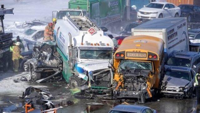 Kanada'da meydana gelen zincirlemeye kazada 200 araç hasar gördü