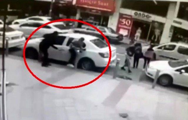 Kocaeli'nde bir gencin silahlı saldırıya uğrama anı güvenlik kameraları tarafından kaydedildi