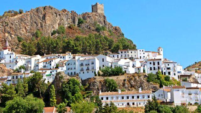 Koronadan kırılan İspanya'da vakanın görülmediği tek yer olan Zahara de la Sierra'nın sırrı ortaya çıktı