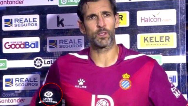 Küme düşme potasındaki Espanyol'un kalecisi Diego Lopez'e röportaj sırasında 2.Lig'in mikrofonu tutuldu