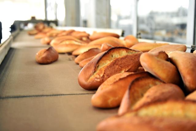 Mansur Yavaş'tan Ramazan müjdesi: Başkent'te ekmek 1 TL'ye satılacak