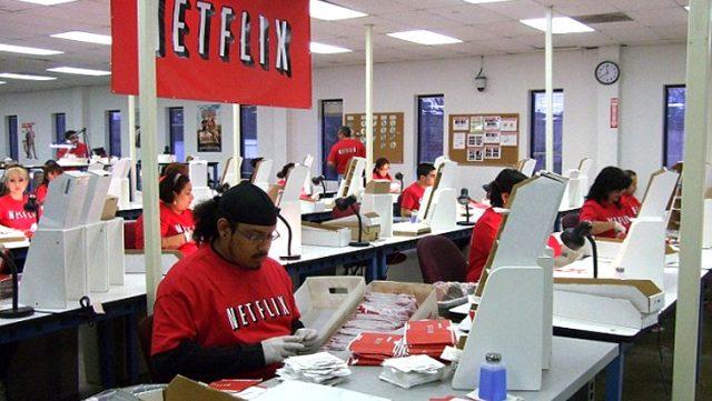 Netflix koronavirüs nedeniyle işsiz kalanlar için 100 milyon dolarlık destek sağlayacak