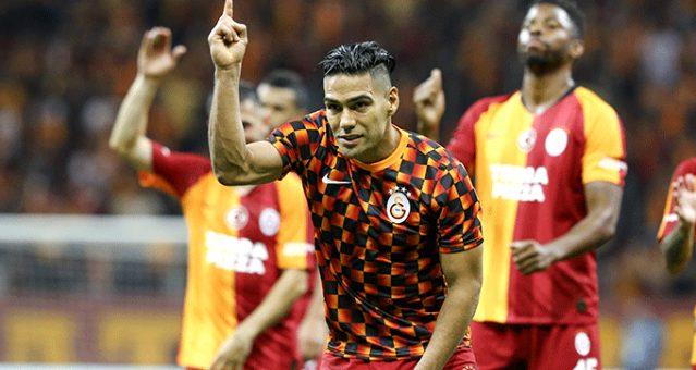 Radamel Falcao, maç sonunda 3'lü çektirdi