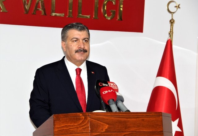 Sağlık Bakanı Koca İzmir'de