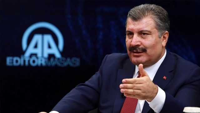 Sağlık Bakanı Koca, koronavirüs salgınındaki verilerin tutarsız olduğu iddialarını yalanladı