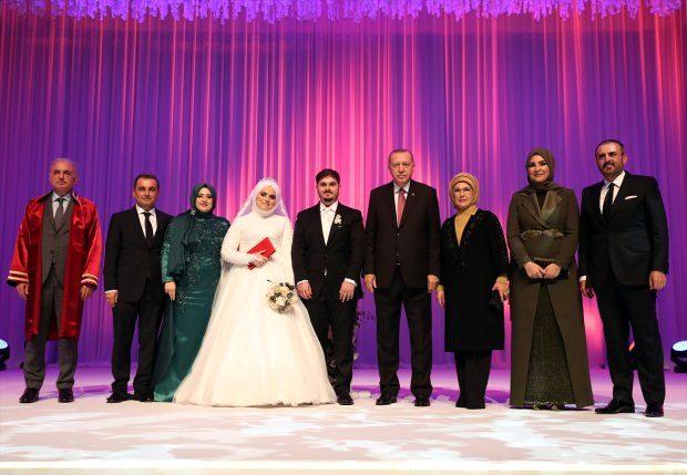 Siyaset dünyası, AK Partili Mahir Ünal'ın kızının düğününde buluştu