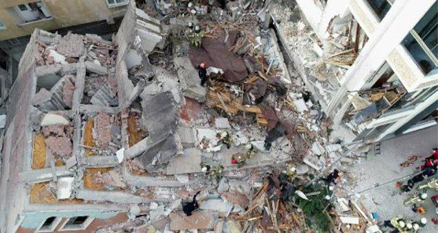 Son dakika: Bahçelievler Belediye Başkanı Hakan Bahadır: Binanın yarın yıkılması planlanıyordu, bugün bir şekilde yan yattı