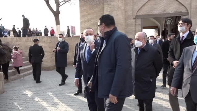 Son dakika haber... ÖZBEKİSTAN - Dışişleri Bakanı Çavuşoğlu, Özbekistan'da tarihi Hive kentini ziyaret etti (2)