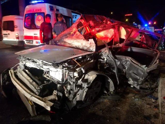 Son dakika haberi | İzmir'de feci kaza: 1'i ağır, 3 yaralı