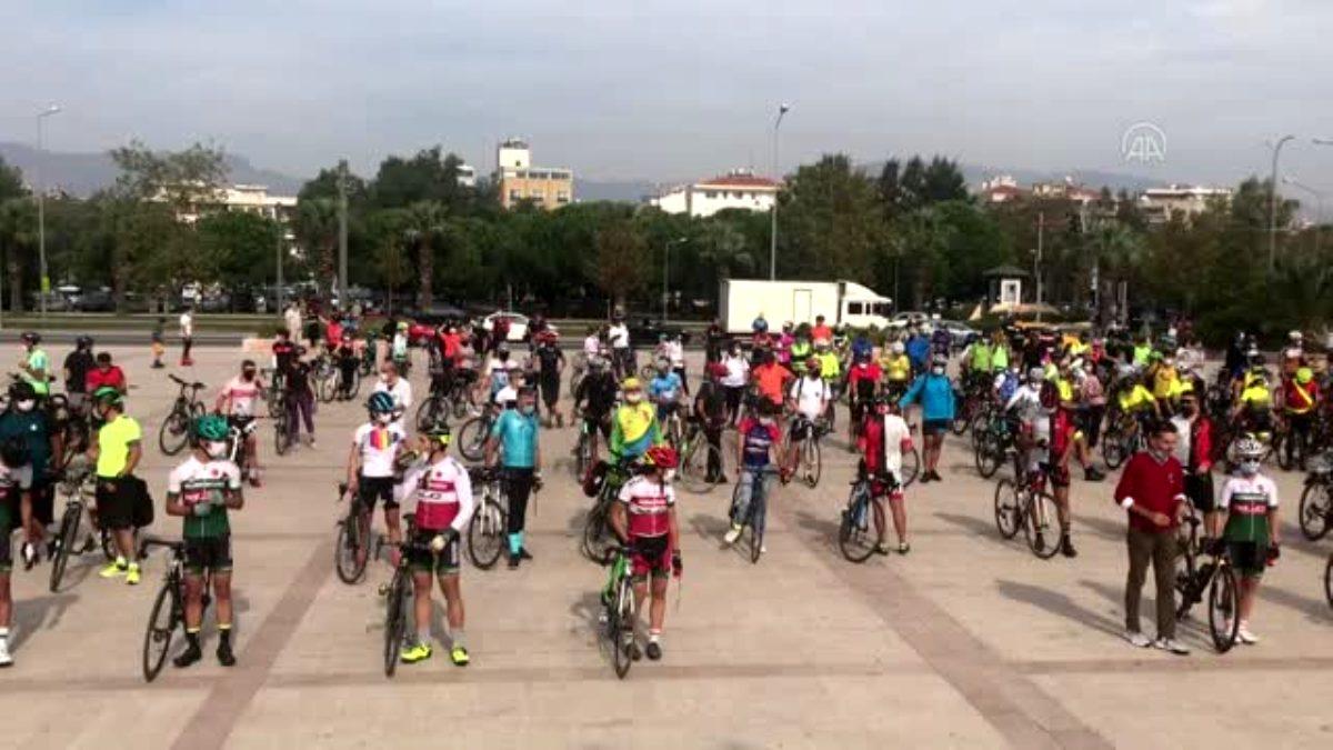Son dakika haberi | Trafik kazasında hayatını kaybeden bisikletçi Zeynep Aslan, İzmir'de anıldı