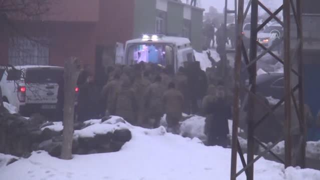 Son dakika haberleri... Bingöl'den kalkan askeri helikopter düştü (5)