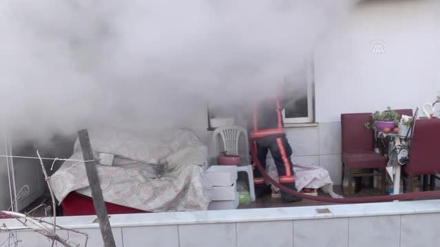 Son dakika haberleri: Çıkan yangında bir ev kullanılamaz hale geldi
