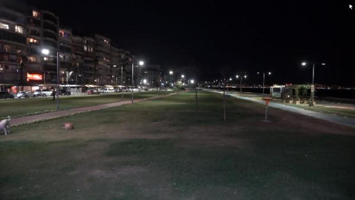 Son dakika haberleri... İzmir'de sokağa çıkma kısıtlaması başladı