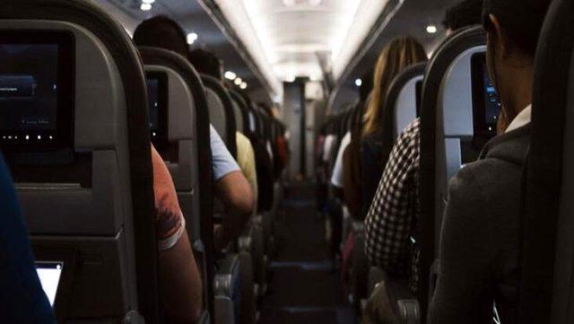 """Son Dakika: İçişleri Bakanlığı'ndan yeni genelge: Havayolu yolcuları """"Seyahat İzin Belgesi"""" olmadan seyahat edemeyecek"""